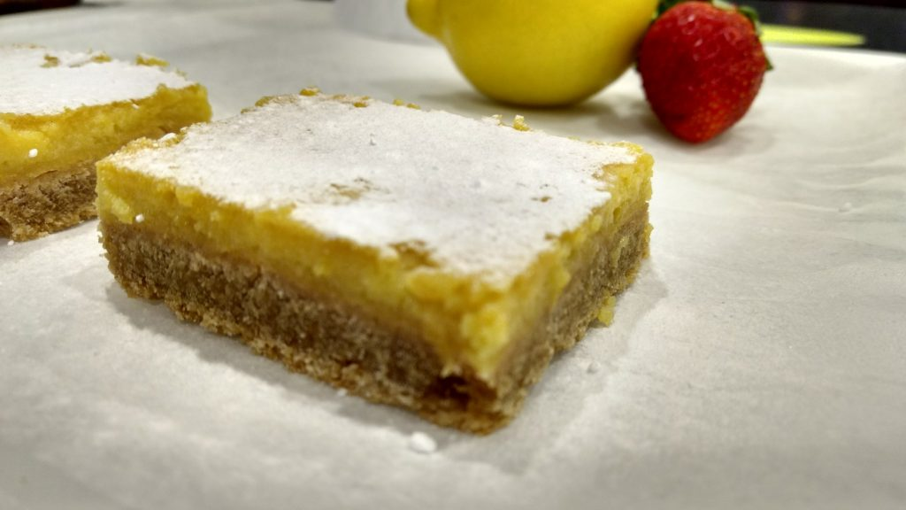 I totally missed the sun, so I decided to make my own little piece of sunshine. Yep, Lemon Bars